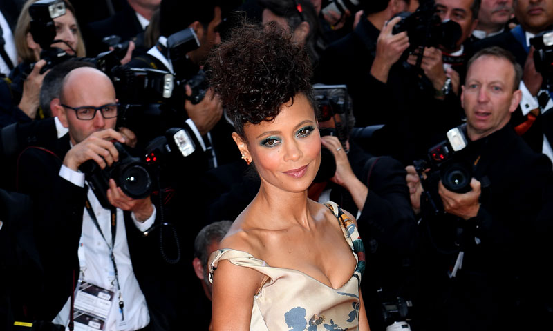 Thandie Newton y el original vestido protesta de Star Wars