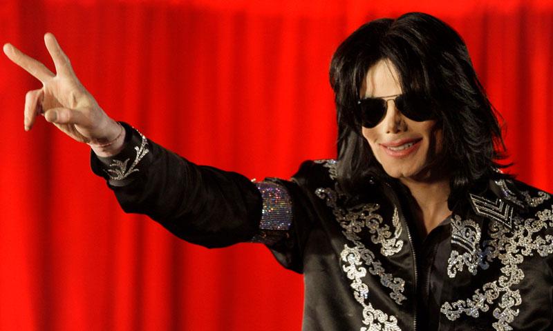 Balmain 'revive' a Michael Jackson en su última colección