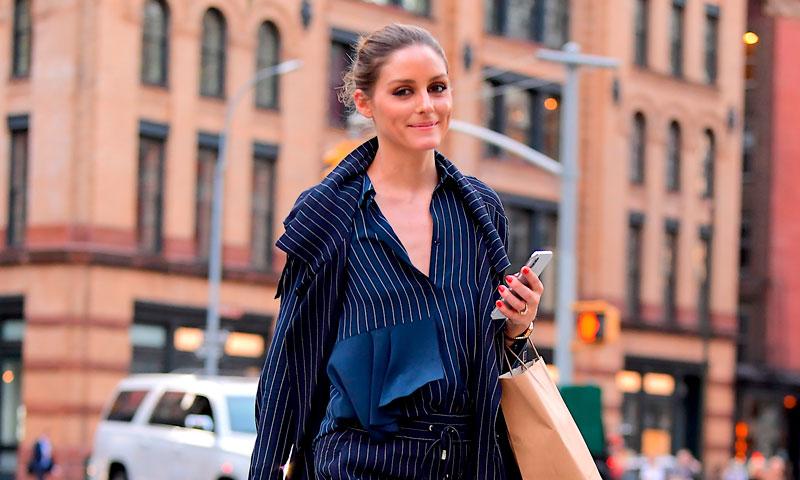 Tres años después, Olivia Palermo vuelve a salir a la calle en pijama