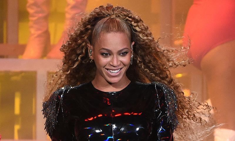 Beyoncé: oda al barroquismo de Versace en su último concierto