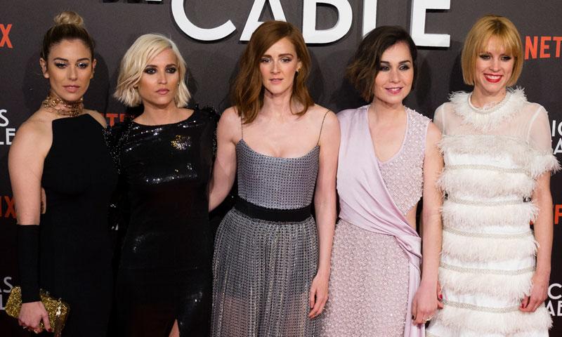 El regreso de 'Las chicas del cable' y sus 5 llamativos 'looks' en Sevilla