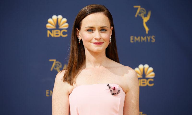 Emmys con sello español: los vestidos 'made in Spain' que triunfaron en la alfombra dorada