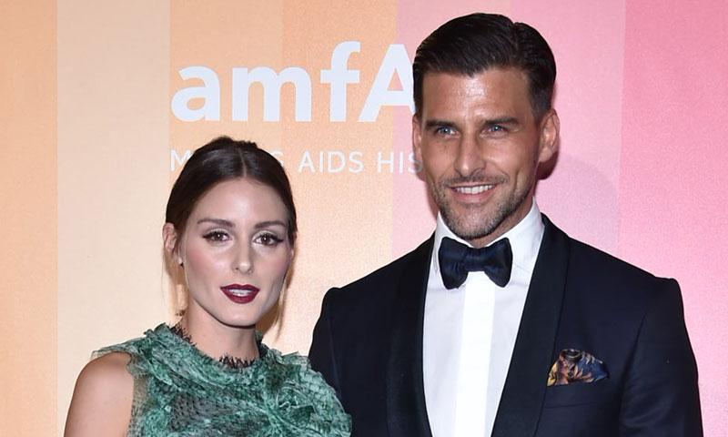 Olivia Palermo y su marido, Johannes Huebl, estilo en pareja en la gala amfAR