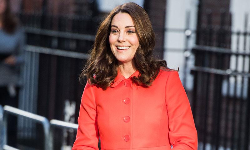 El abrigo que demuestra que la Duquesa de Cambridge y su madre se prestan la ropa