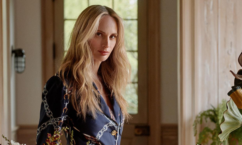 En casa de Lauren Santo Domingo con los nuevos modelos del icónico bolso de Louis Vuitton