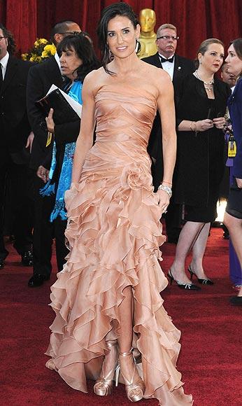 Oscar 2010: Demi Moore o Penélope Cruz, sólo una es 'la más elegante'