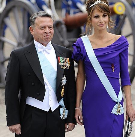 ¡HOLA! nos desvela quiénes han sido las invitadas más elegantes de la boda de Victoria de Suecia