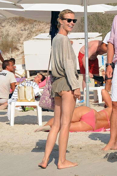 Eva Herzigova y Natalia Vodianova, dos 'reinas' de la moda de vacaciones en Formentera