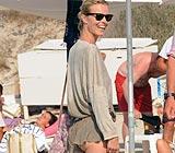 Eva Herzigova, en la playa