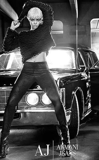 Rihanna, una atrevida y 'sexy' estrella de la nueva campaña de Armani Jeans y Emporio Armani Underwear