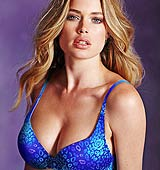 Doutzen Kroes, para Victoria's Secret (2011)
