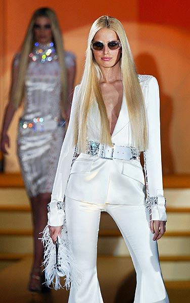 Donatella Versace vuelve a la Alta Costura de París