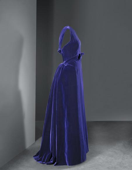 El Museo Cristóbal Balenciaga celebra su primer ...