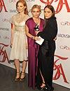 Mary-Kate y Ashley Olsen, Tommy Hilfiger, Johnny Depp... Estos son los ganadores de los 'Oscar de la moda' 2012