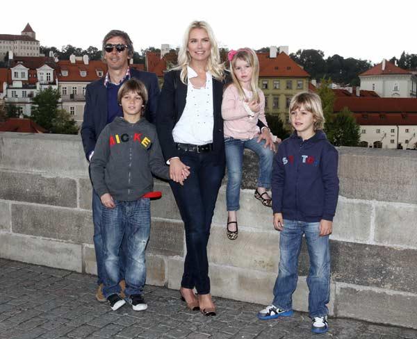 Valeria Mazza disfruta de la ciudad de Praga en compañía de su familia