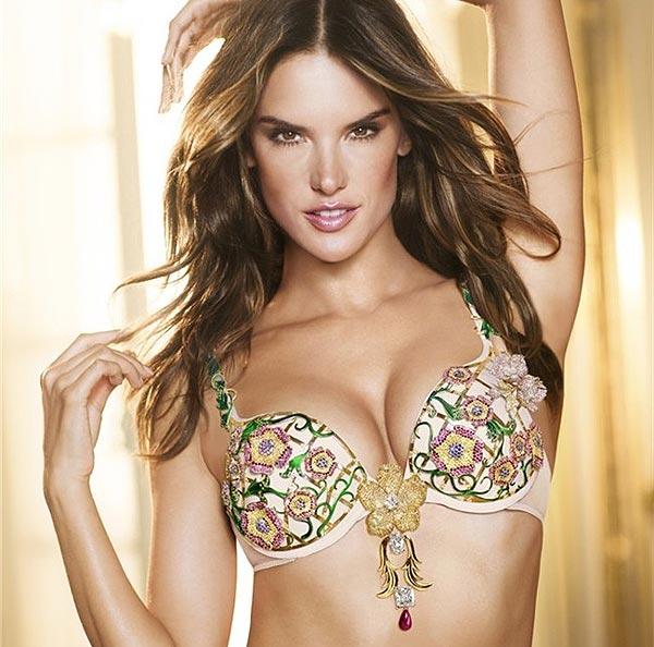 Alessandra Ambrosio lucirá el 'Floral Fantasy Bra', valorado en más de 1, 9 millones de euros durante el Victoria's Secret 'Fashion Show' 2012