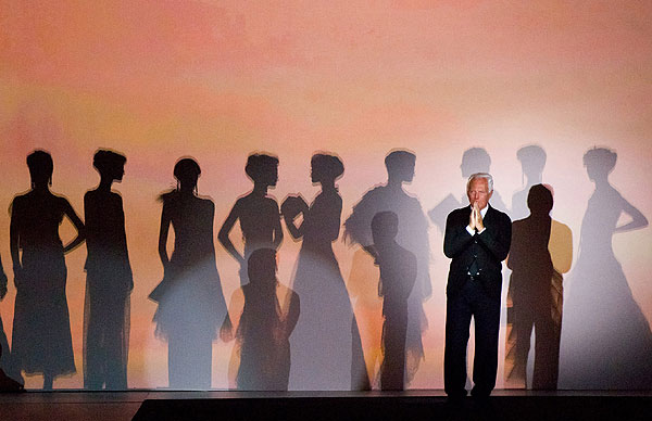 Nueva York rinde homenaje al diseñador Giorgio Armani