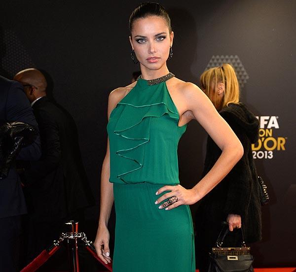 'Red Carpet Look': Adriana Lima, en verde