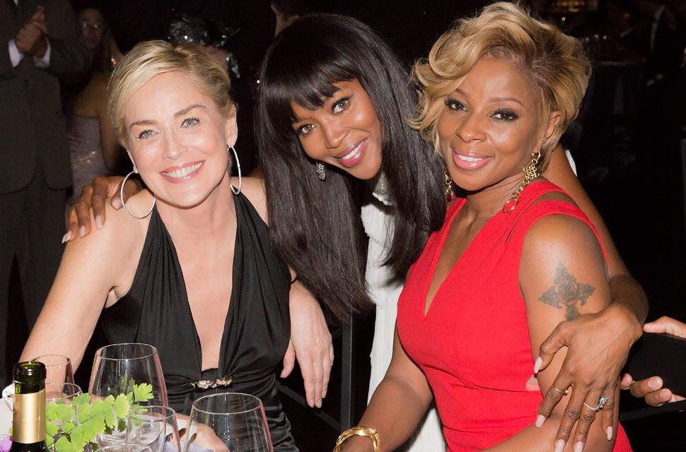 Clara Alonso brilla junto a Kate Moss, Naomi Campbell y Sharon Stone en la gala AmfAR de Sao Paulo