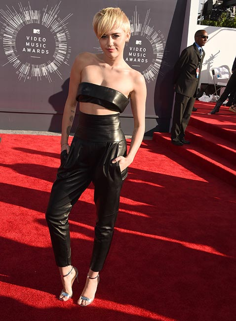 Transparencias, brillos y 'crop-tops'. Así fue la gala MTV Music Video Awards