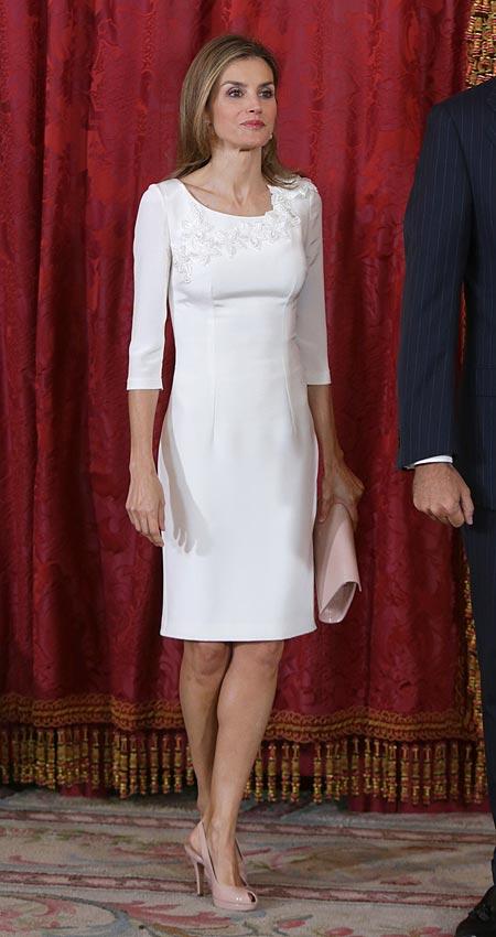 Semana de 'moda real': Así se lleva un vestido de tipo cóctel