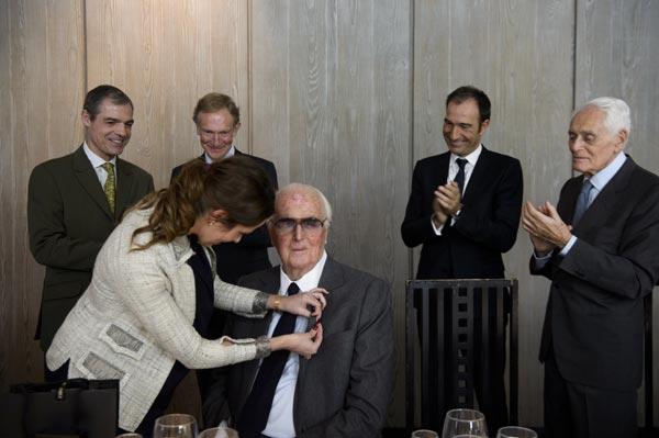 Hubert de Givenchy, nombrado 'Amigo de Oro' de la asociación Amigos del Museo del Traje