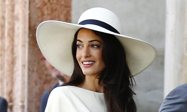 Amal Clooney reta en estilo a las actrices y modelos británicas más icónicas