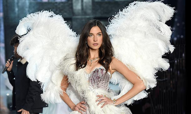 Victoria's Secret Fashion Show 2015: Todos los 'looks' de la pasarela, foto a foto