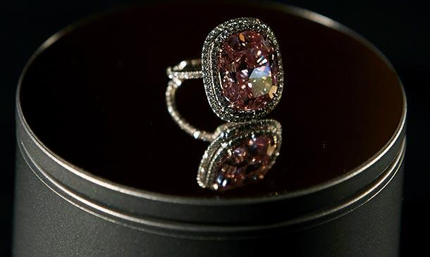 Destellos desde Ginebra: Las joyas más espectaculares salen a subasta