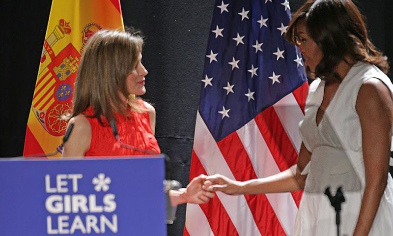 'Welcome Mrs. Obama!' La Primera Dama estadounidense hace un guiño a la moda española