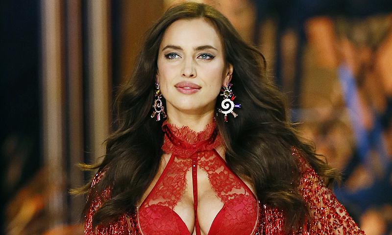¡Por fin! Irina Shayk presume de embarazo sobre la pasarela
