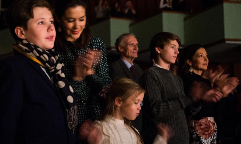 La Familia Real danesa, con la condesa Alejandra incluida, baila al son de Margarita de Dinamarca
