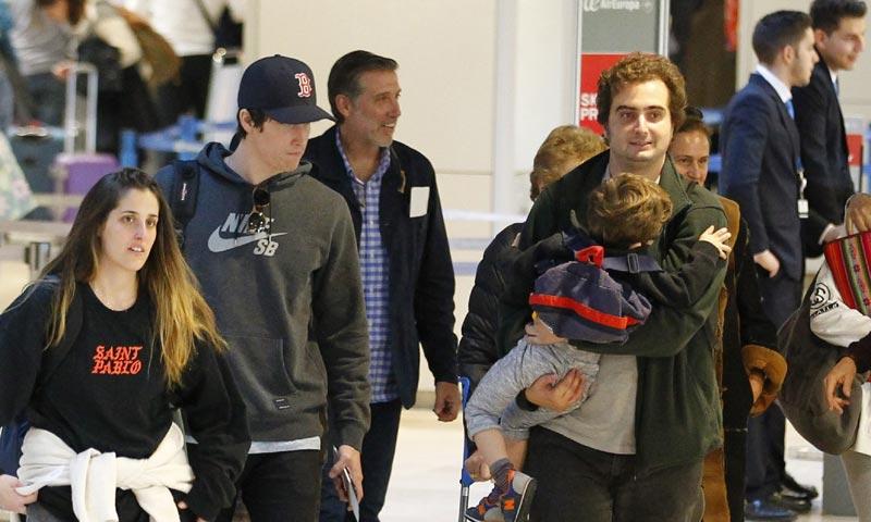 Su madre, sus hijos, su nieto... Emilio Aragón, una familia numerosa de vacaciones