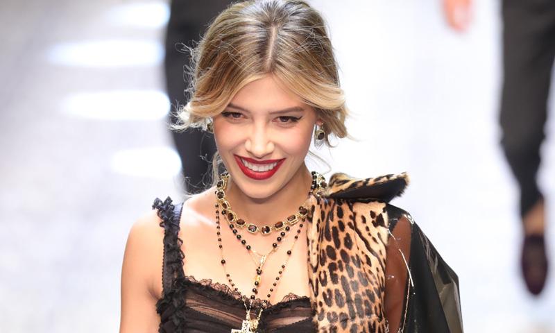 Nuevo 'fichaje' en Dolce & Gabbana: Michelle Salas, 'youtuber' de HOLA!4u, debuta sobre la pasarela