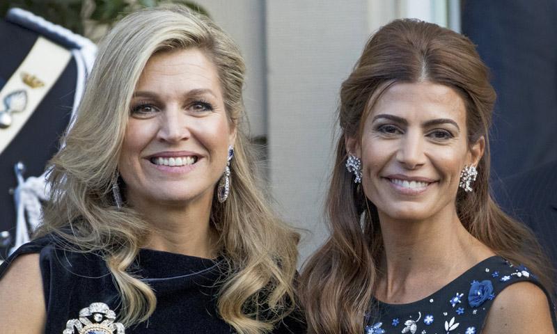 Máxima de Holanda y Juliana Awada, dos reinas del estilo cara a cara
