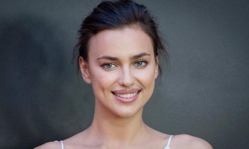 Irina Shayk, espectacular en bikini tres semanas después de dar a luz
