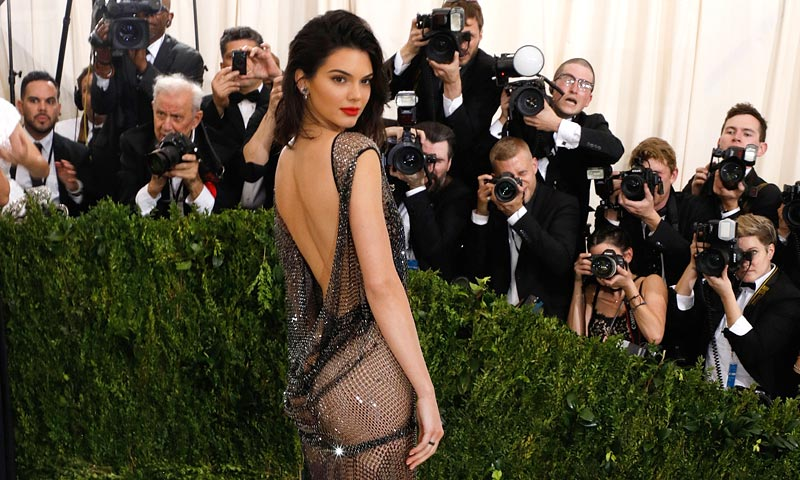 Kendall Jenner se esfuerza para ser más 'sexy'
