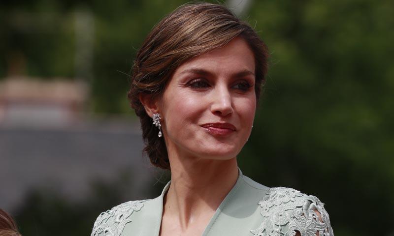 La reina Letizia, un mismo estilo en las comuniones de sus hijas