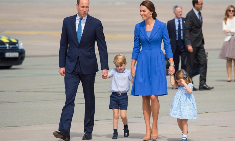 La Duquesa de Cambridge, de viaje oficial por Polonia y Alemania: ¿Qué lleva en su maleta de viaje?