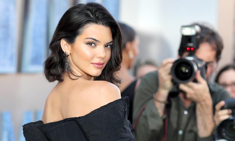 Los 'looks' que no son lo que parecen de Kendall Jenner y Cara Delevingne