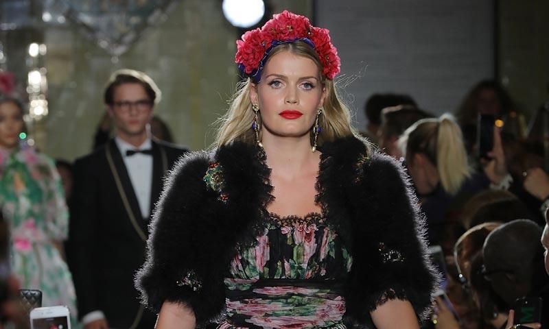 Lottie Moss y Lady Kitty Spencer, en la pasarela de los influyentes británicos de la moda