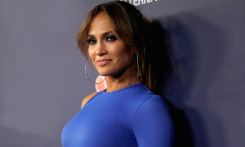 A los 48 y en 'shorts', Jennifer Lopez volverá a ser icono de moda en 2018