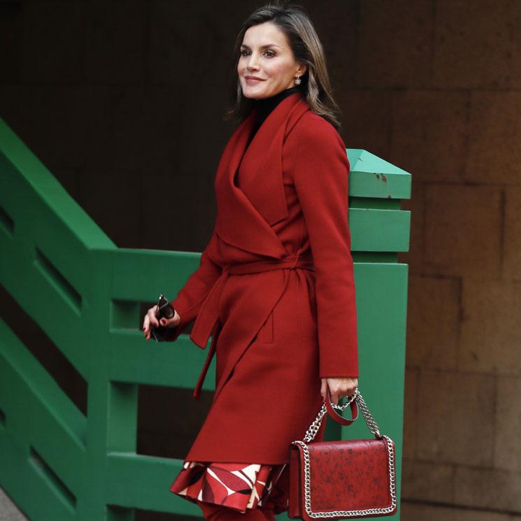 Botas rojas y bolso de Zara  el look más rompedor de la reina Letizia b14aa586eadb