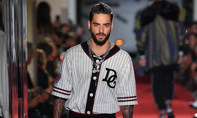 274c81c37debf Maluma hace historia al desfilar para Dolce   Gabbana... ¡con sorpresa  incluida!