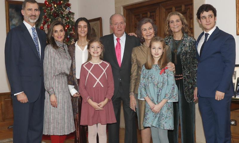 El curioso caso del vestido 'vintage' que doña Letizia tomó prestado a la reina Sofía