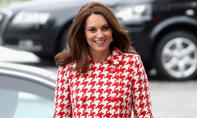 El nuevo abrigo estampado de la Duquesa de Cambridge: otro guiño a Diana de Gales