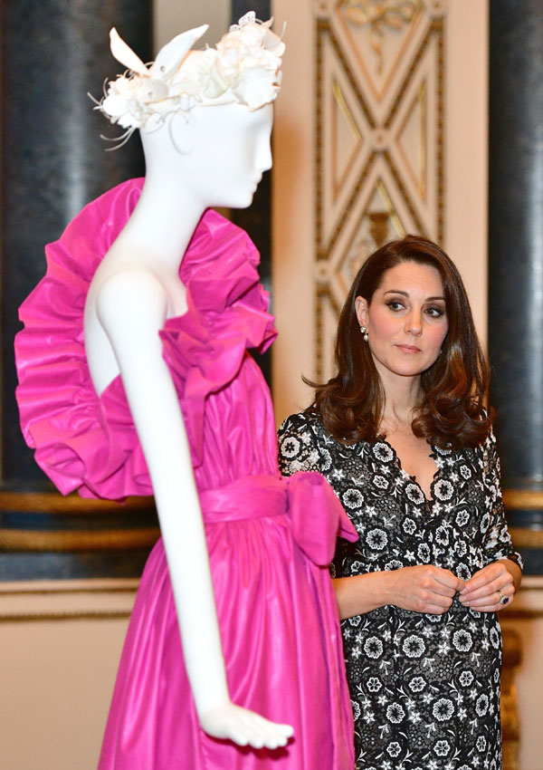 Cuando la Duquesa de Cambridge prefiere un \'look royal\' antes que el ...