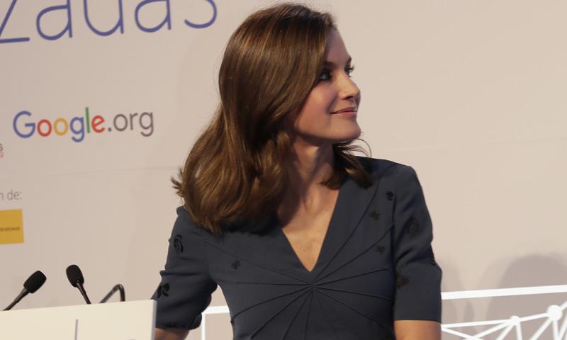 El doble desafío de la Reina Letizia en su último look de estreno