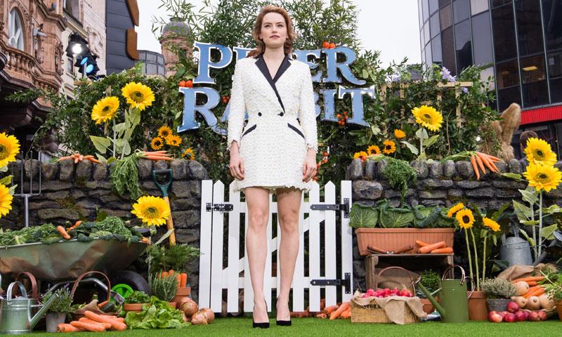 Para Daisy Ridley, la versión más 'sexy' del esmoquin tiene sello español