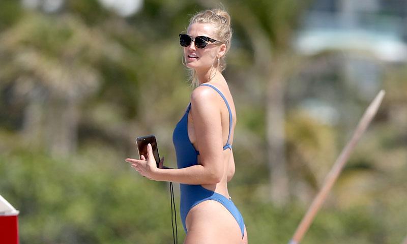 Toni Garrn anticipa el bañador de inspiración 'fitness' más favorecedor